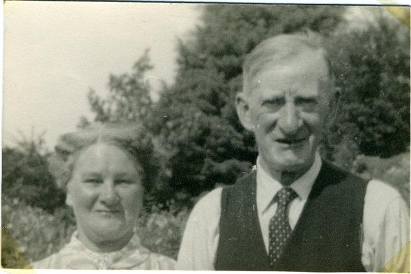 Photo:Flora (nee Watson) and Arnold Woodcock