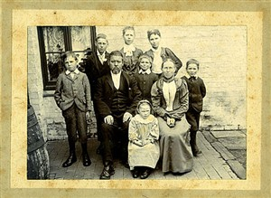 Photo:My gran, in the middle at the front