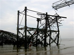 Photo:West Pier May 2006
