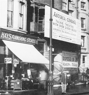Photo:Hay's Shop before demolition c1932