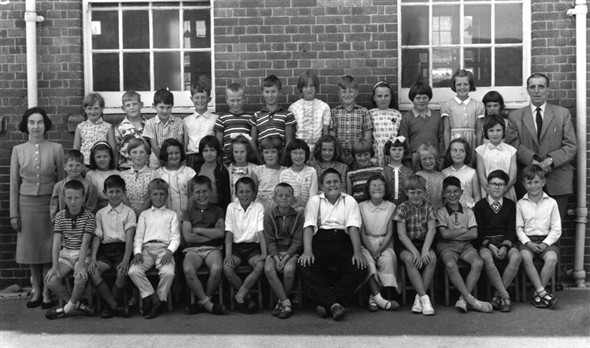 Photo:Miss Mawhinney's class, 1962-63